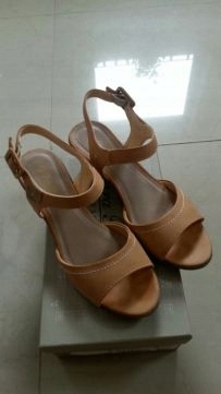 e01b0d3aee84e Jak nowe sandały na koturnie beżowe roz.37 CCC - 7503086319 ...