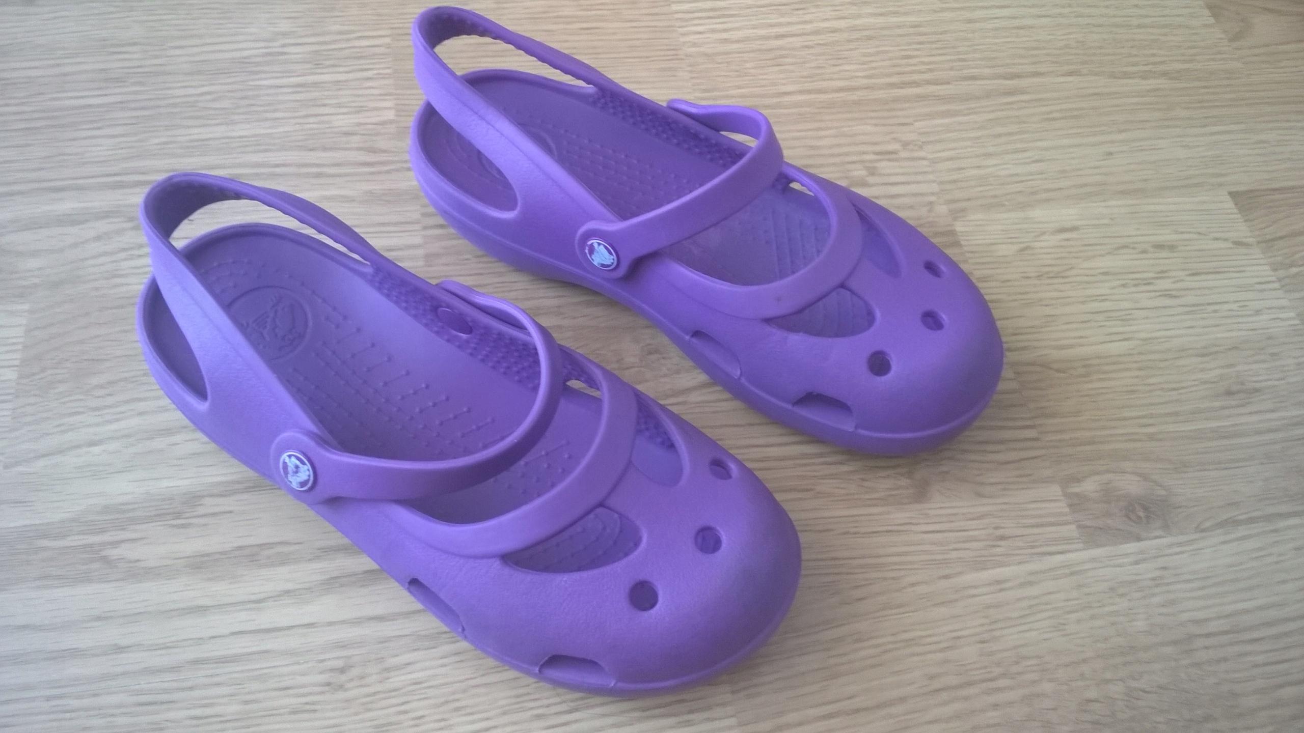 Buty baleriny dziewczęce CROCS rozm.1