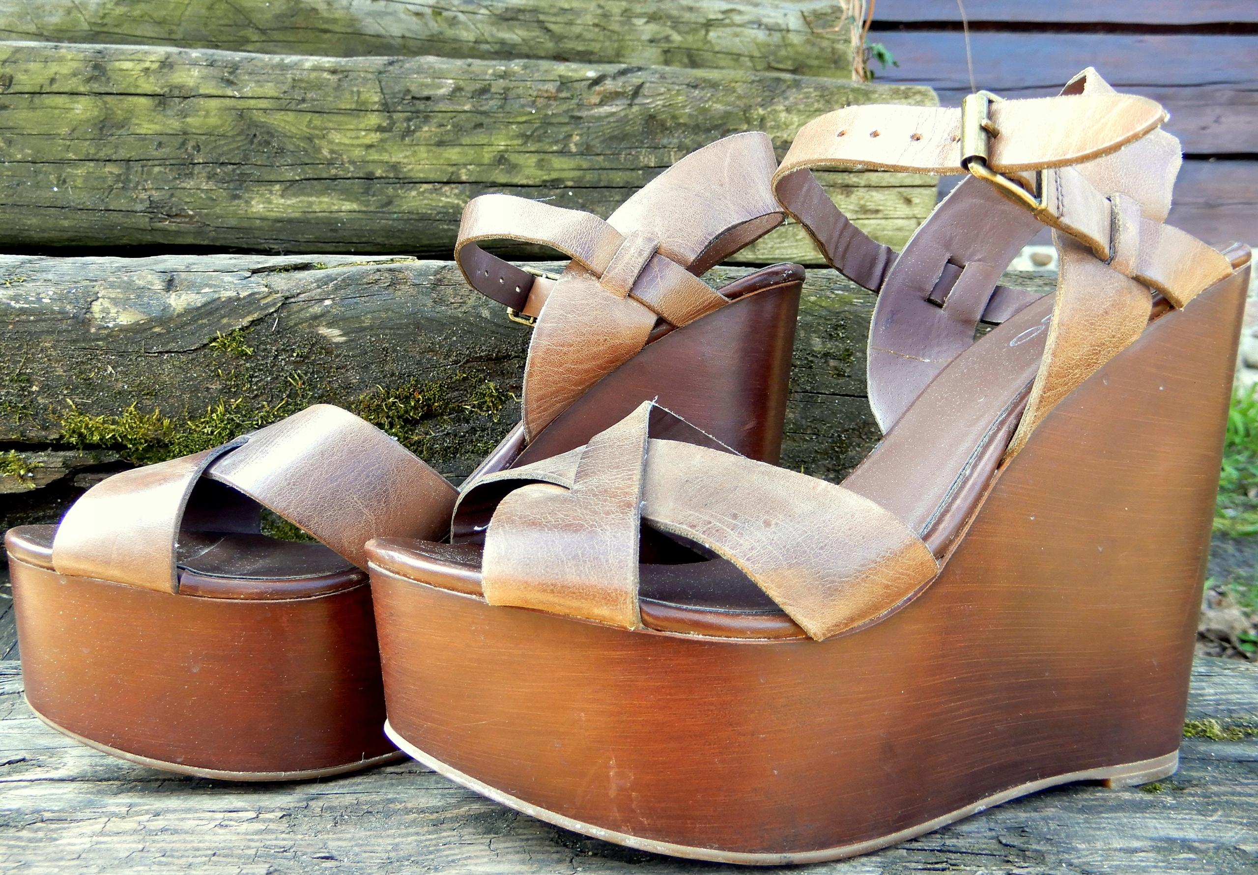 ALDO, skórzane sandały na koturnie, platformie, 38