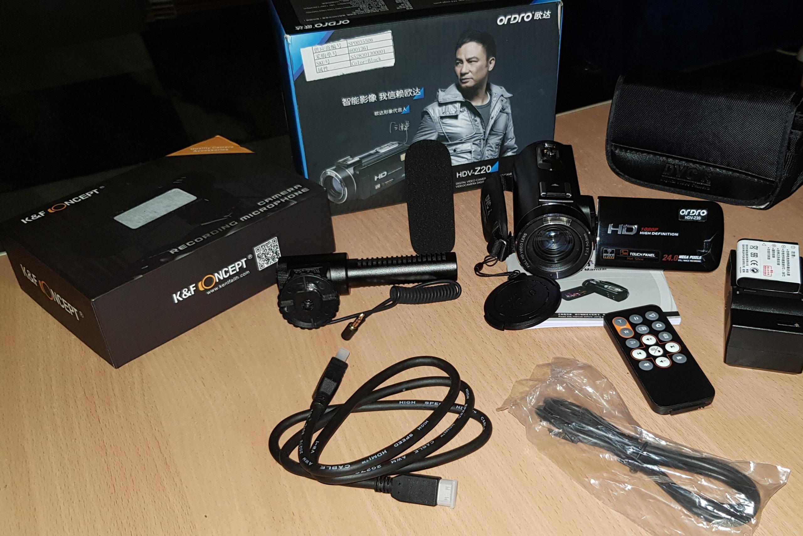 Kamera HD + mikrofon