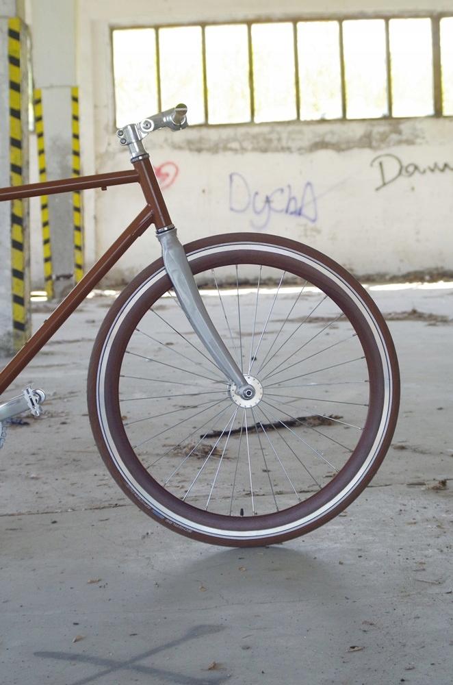 Rower torowy ostre koło Baluma 56 stalowy brązowy