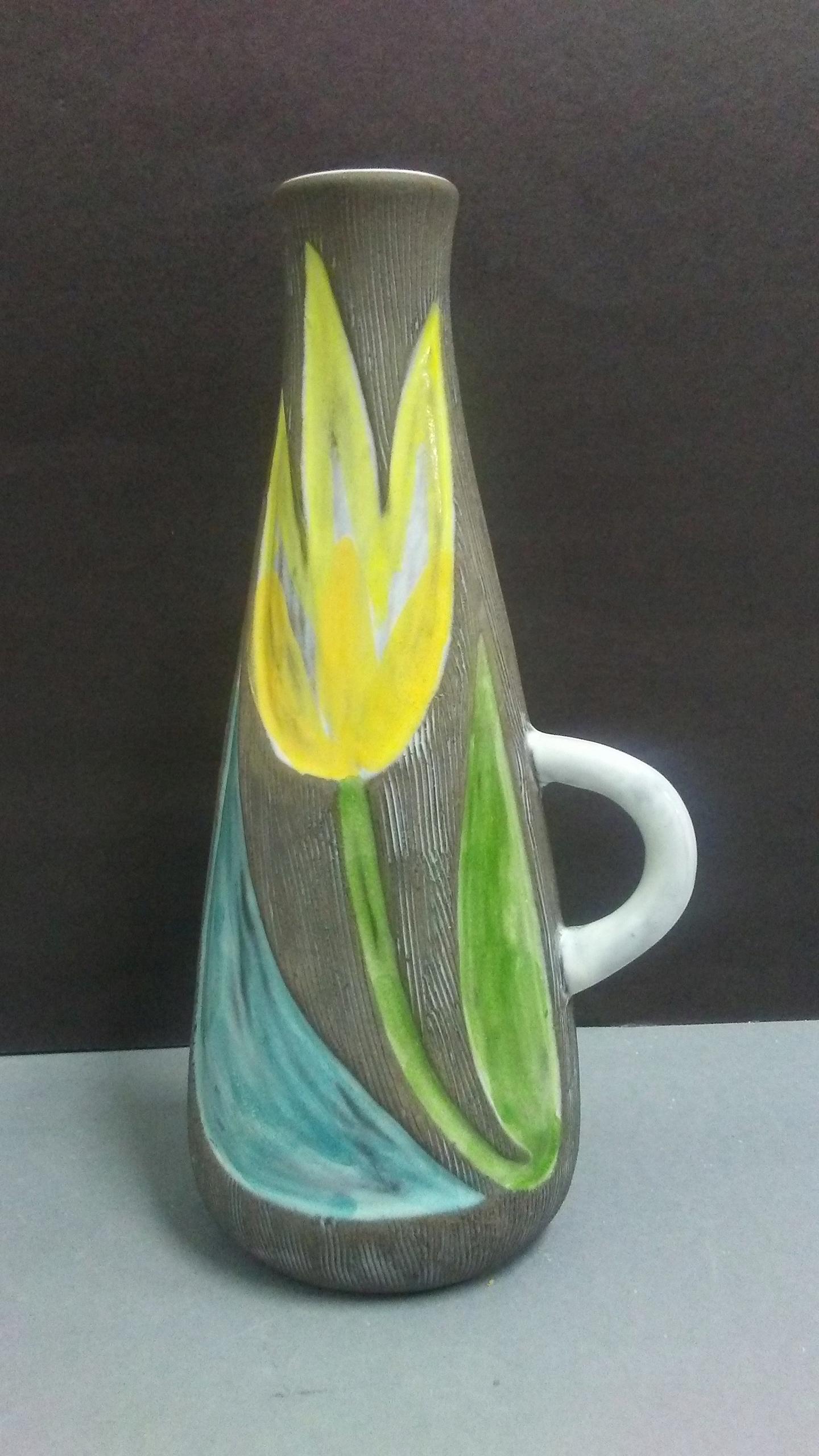 Тюльпан ваза керамика арт Mari Simmulson Upsala E