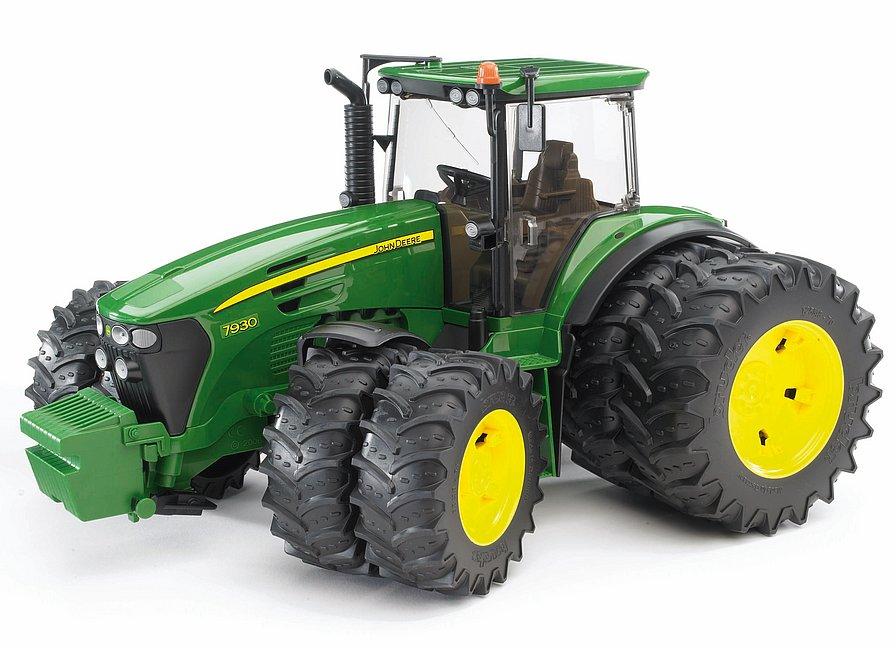 Traktor Bruder 03052 John Deere 7930 s 8 kolesami