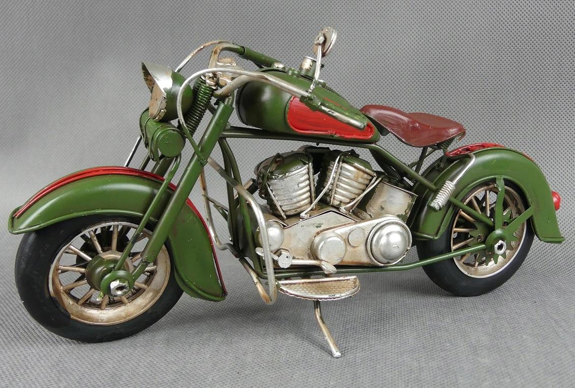 Kovový MOTOR bordový RETRO 28 cm vozidlo