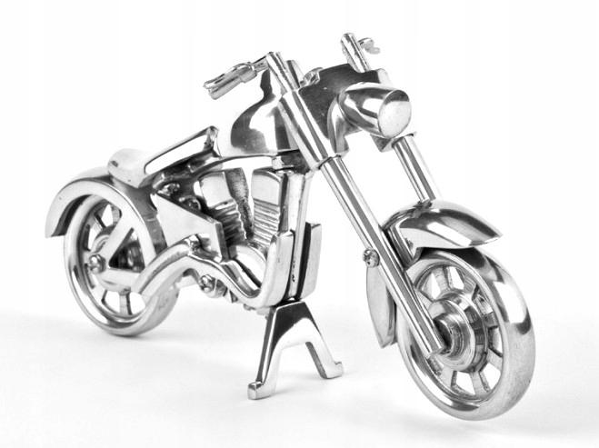 Cruiser štýlový model klasického retro motocykla