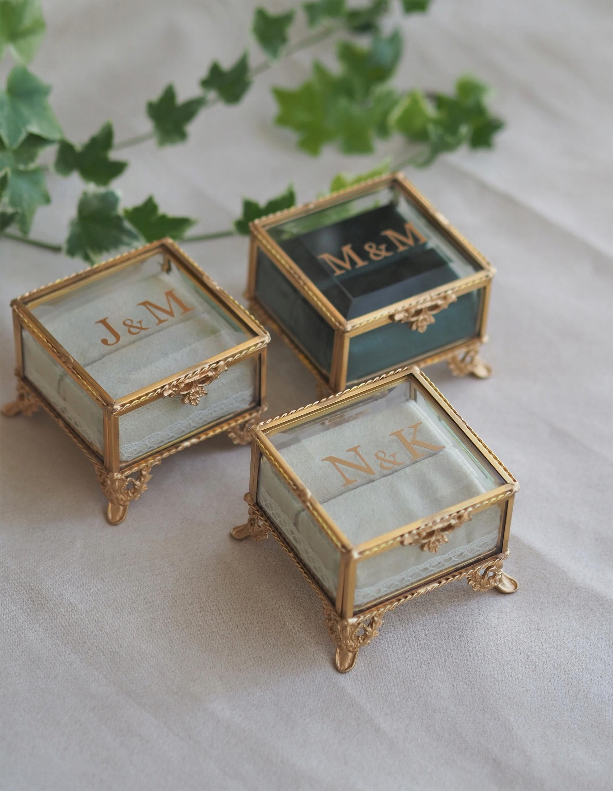 Sklenené púzdro na snubné prstene - zlaté RETRO VELVET