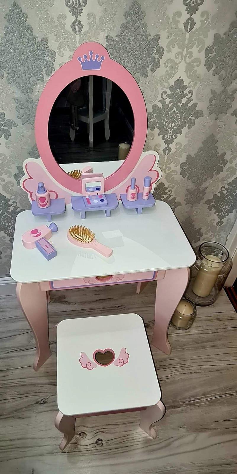 Деревянный туалетный столик для девочки ЗЕРКАЛО + 6 аксессуаров  Герой отсутствует