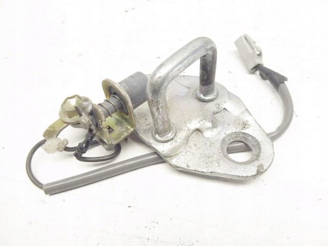 avensis t22 ригель замка люка сзади задняя панель датчик