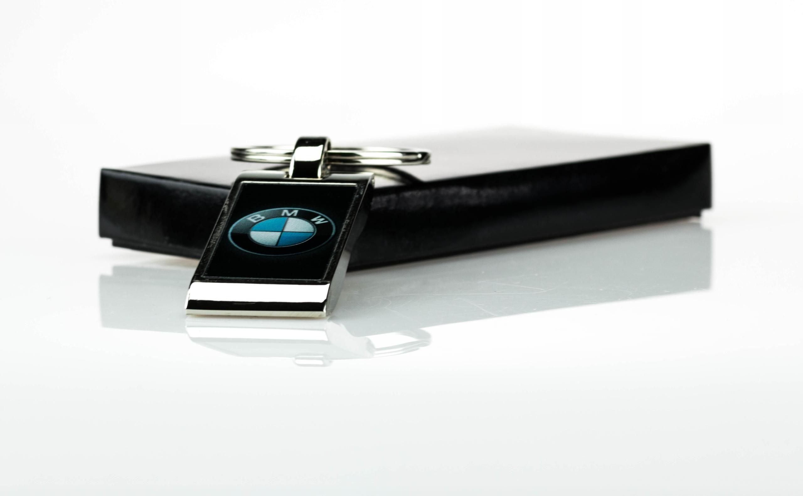 Brelok breloczek do kluczy LOGO CAR BMW na prezent