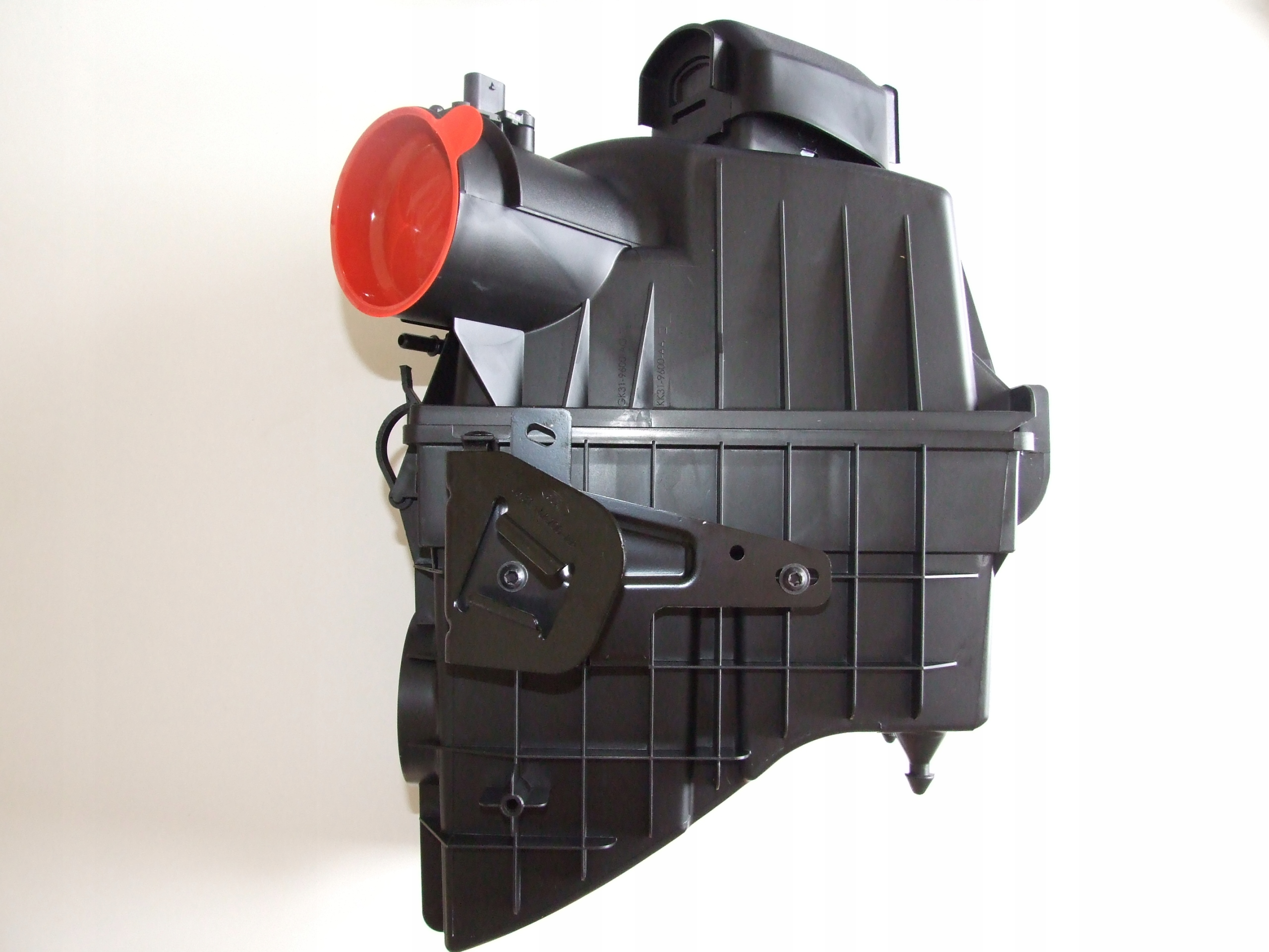 Picture of AIR FILTER BOX FORD TRANSIT MK8 2.0 RWD