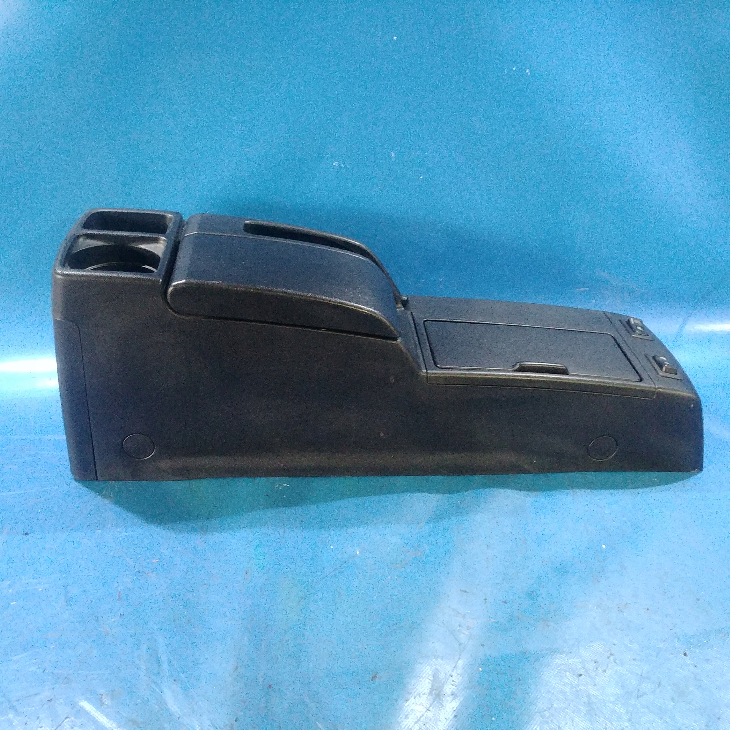 Picture of ARMREST TUNNEL CENTER MAZDA 5 05-10R. EUROPE