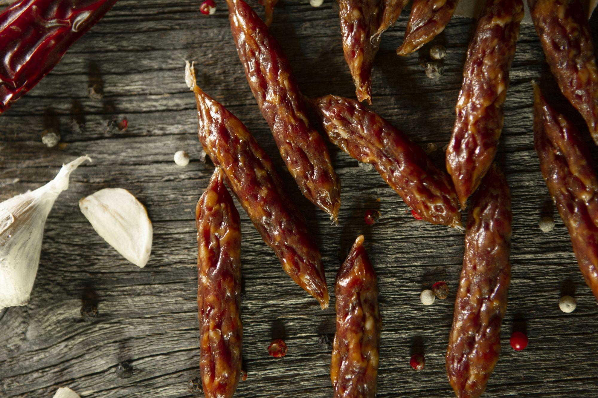 Вкусные колбасы холодного вяления и копчения