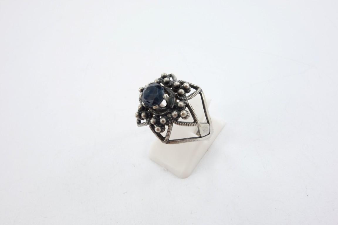 Старинное советское серебряное кольцо с натуральным сапфиром
