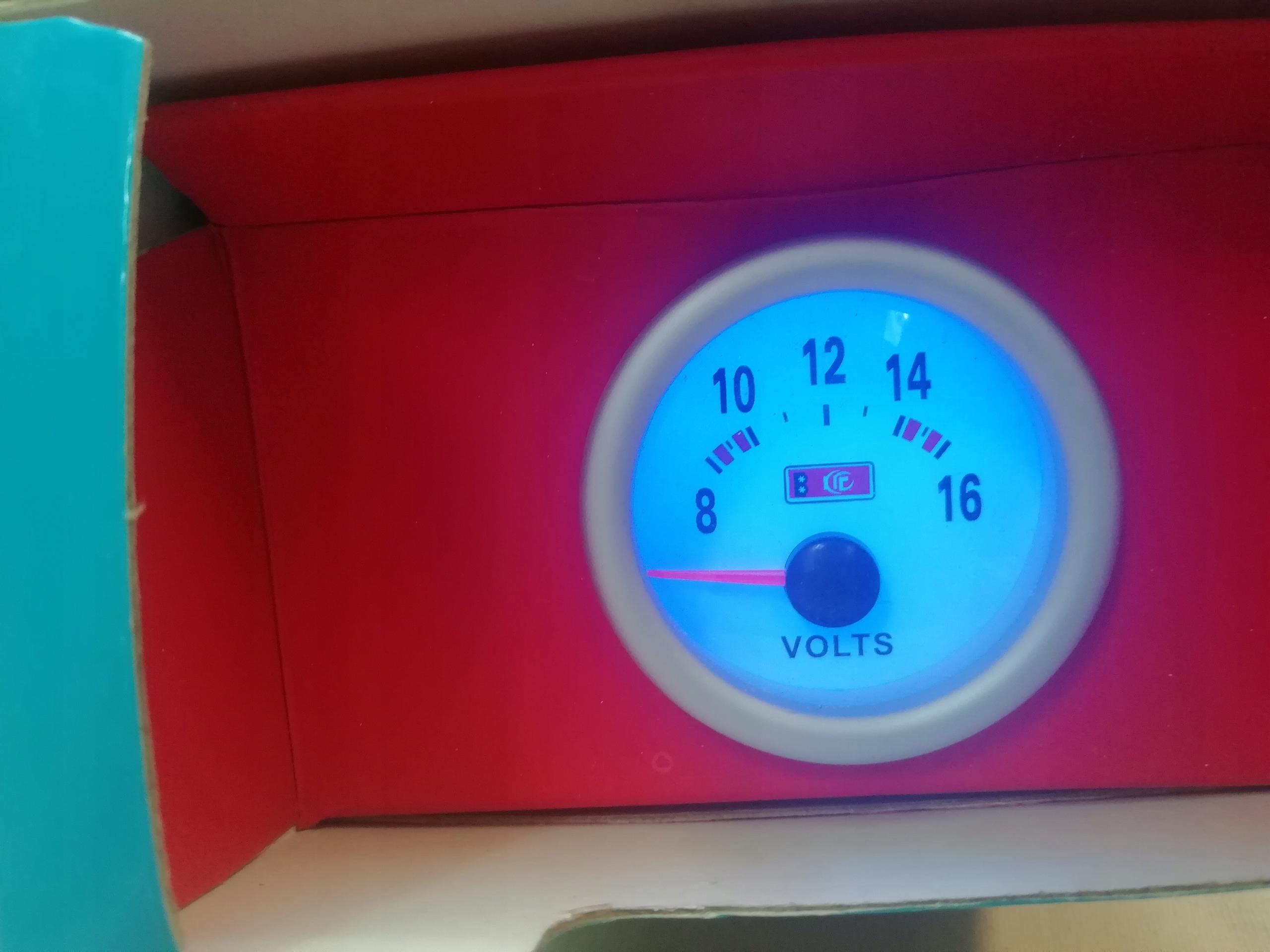 индикатор вольтметр вольт олдтаймер авто gauge