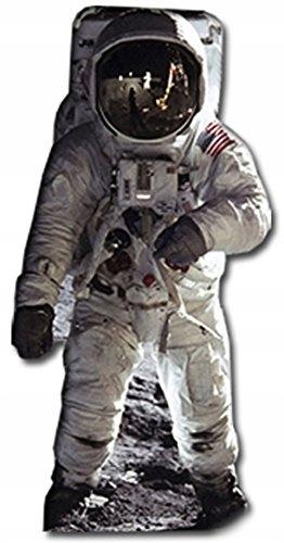 Hviezdne výrezy vystrihnuté z astronauta Buzza Aldrina