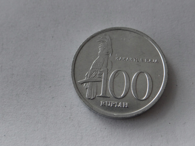 [9107] Indonezja 100 rupii 1999 r. st. 2-