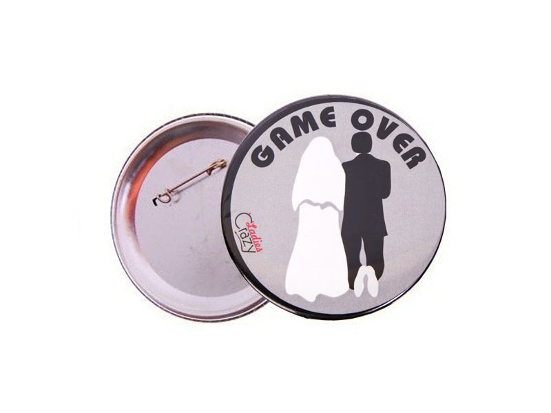 Item CLASP METAL GAME YOUNG COUPLE OVER GREY