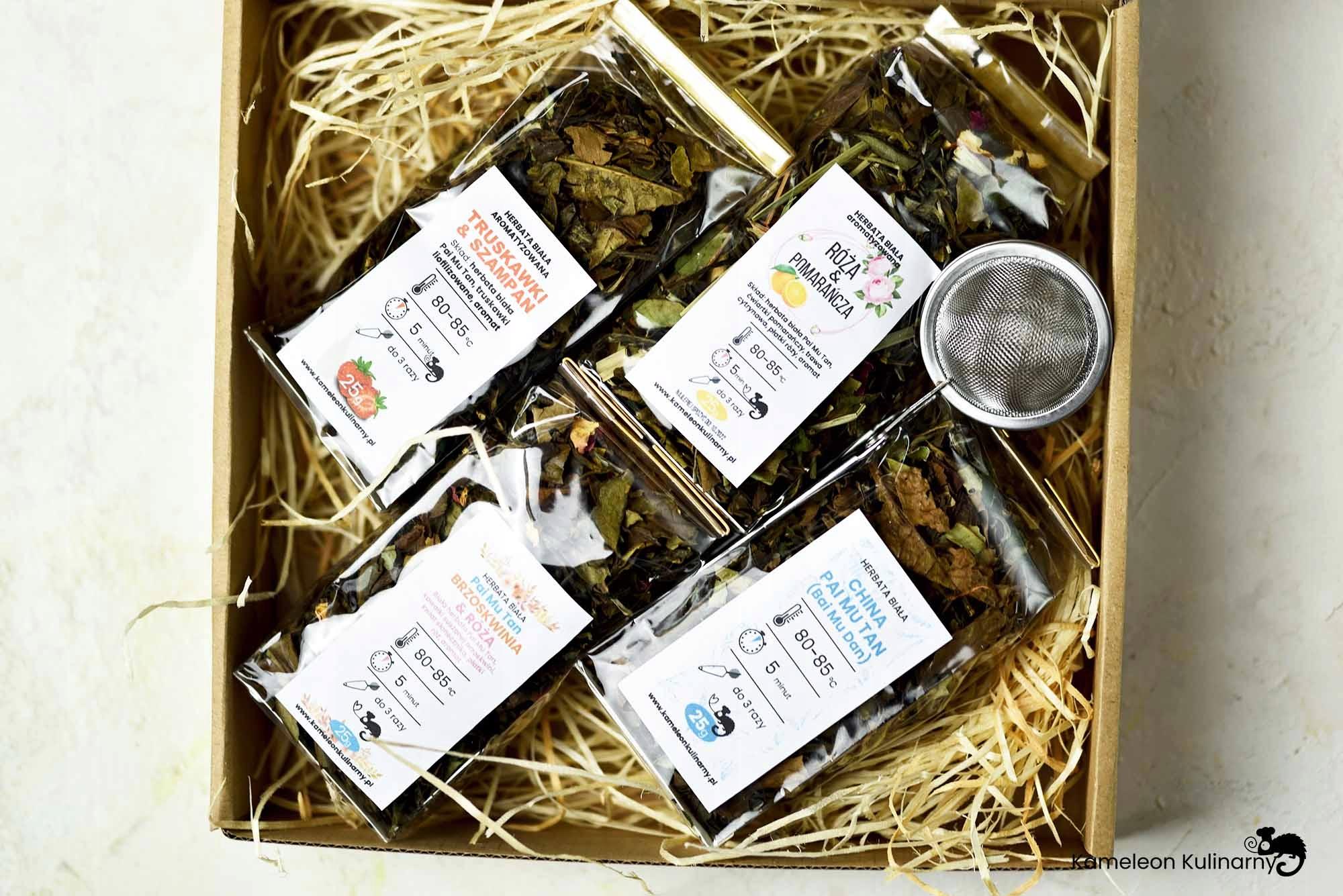 ZESTAW PREZENTOWY na prezent 4 herbaty i zaparzacz Kod producenta ZESTAW PREZENTOWY 4 herbaty białe i zaparzacz