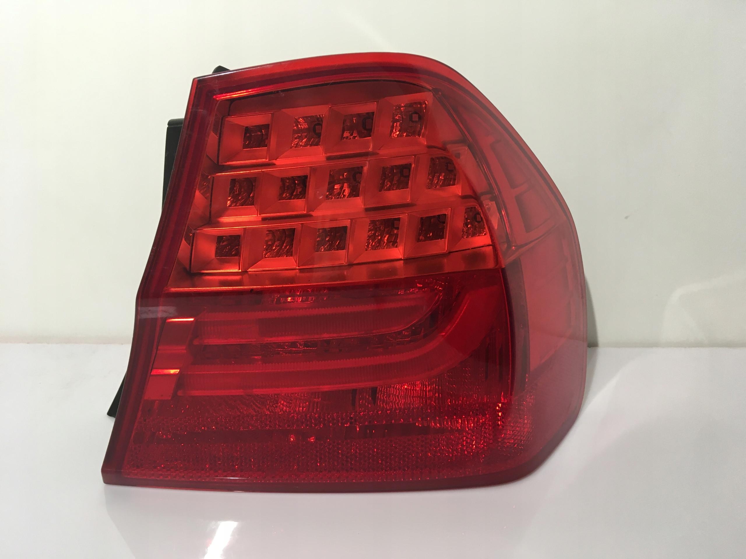 Лампа правий зад BMW E90...