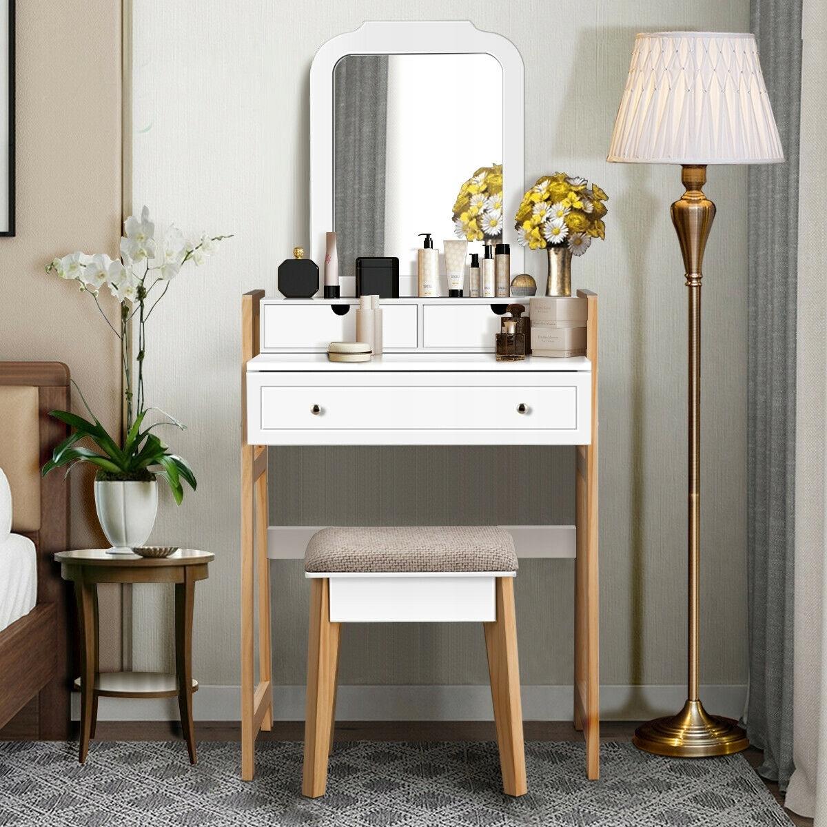 Туалетный столик COSMETIC с зеркалом new design Высота мебели 137 см.