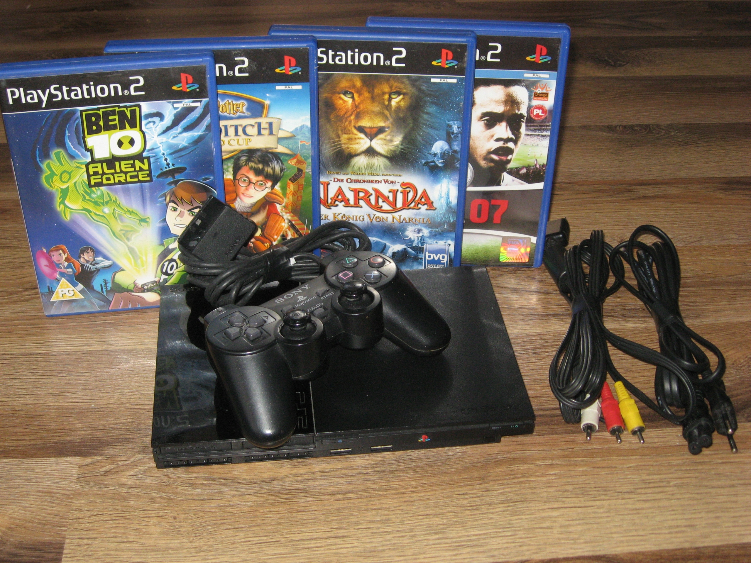 Konsola SONY Play Station 2 PLOMBA! PAD 4 GRY! PS2