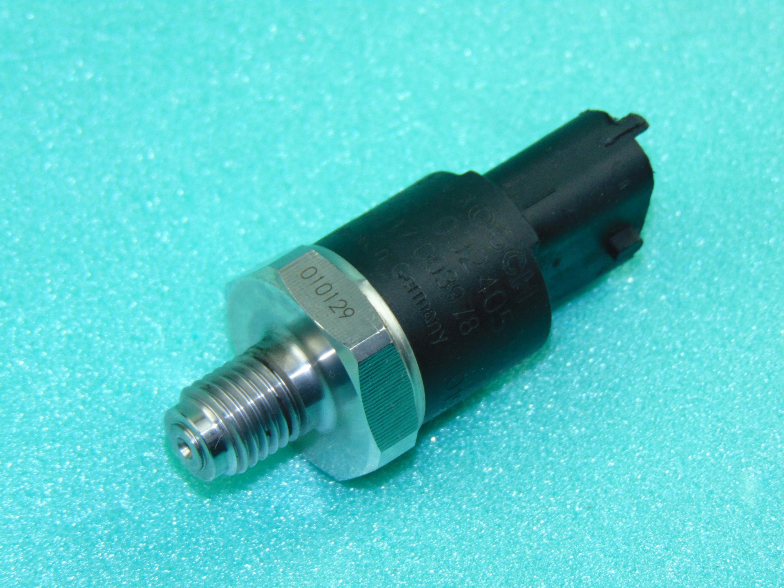 клапан датчик давления топлива 0281002405