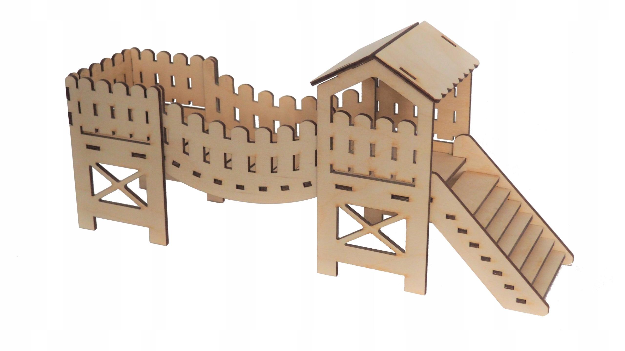 Деревянный домик для мышки-хомяка