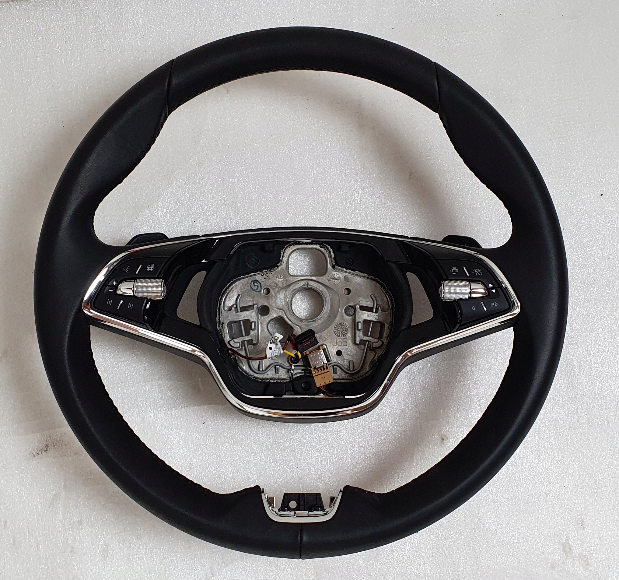 5E3419093AP руль skoda kodiaq октавия iv купить бу по цене 17160 руб. Z17396528 - iZAP24
