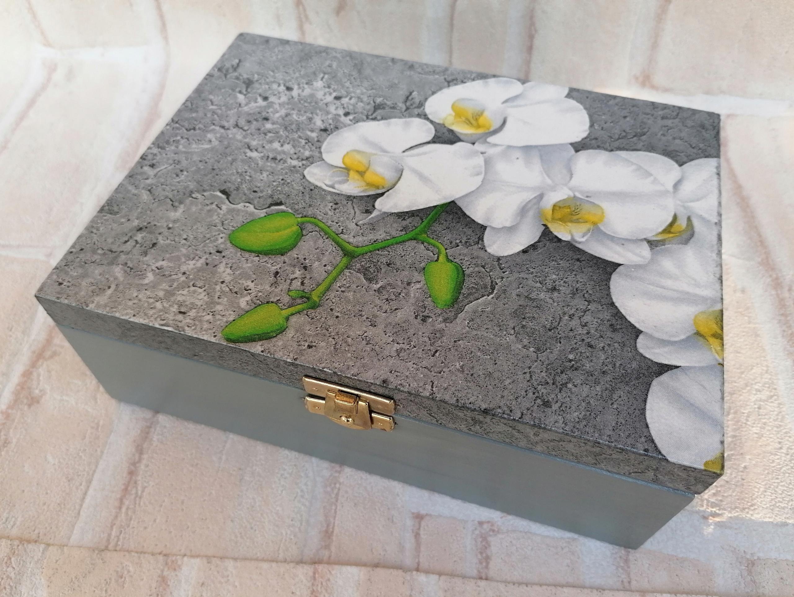 Darčeková krabička z mramoru, bielej orchidey