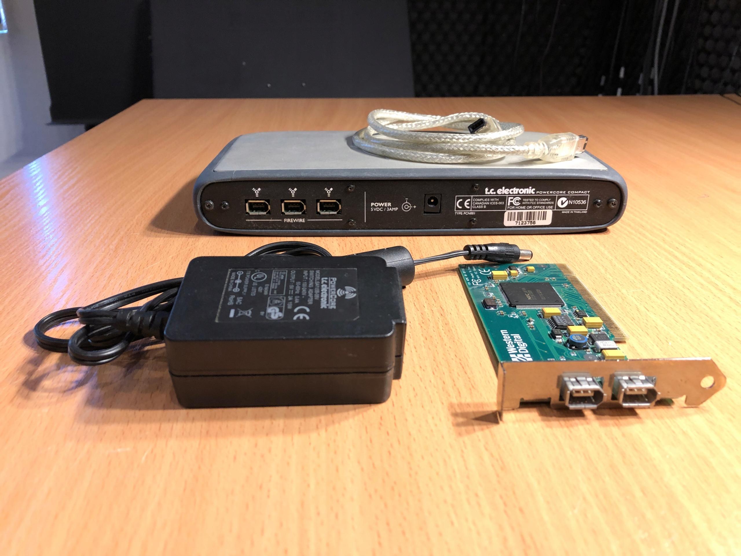 Купить TC PowerCore Compact FireWire на Otpravka - цены и фото - доставка из Польши и стран Европы в Украину.
