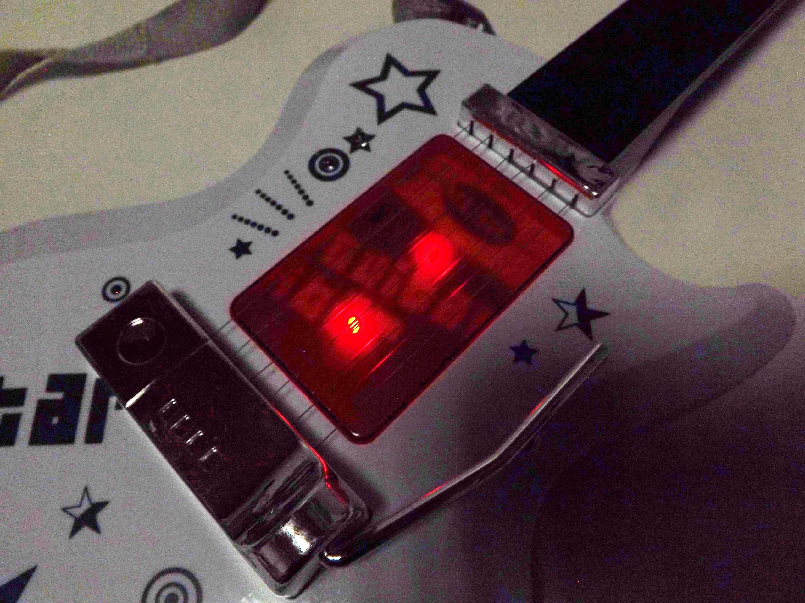 BEZPRZEWODOWA GITARA ZE WZMACNIACZEM,mikrofon 9010 Głębokość produktu 4.5 cm