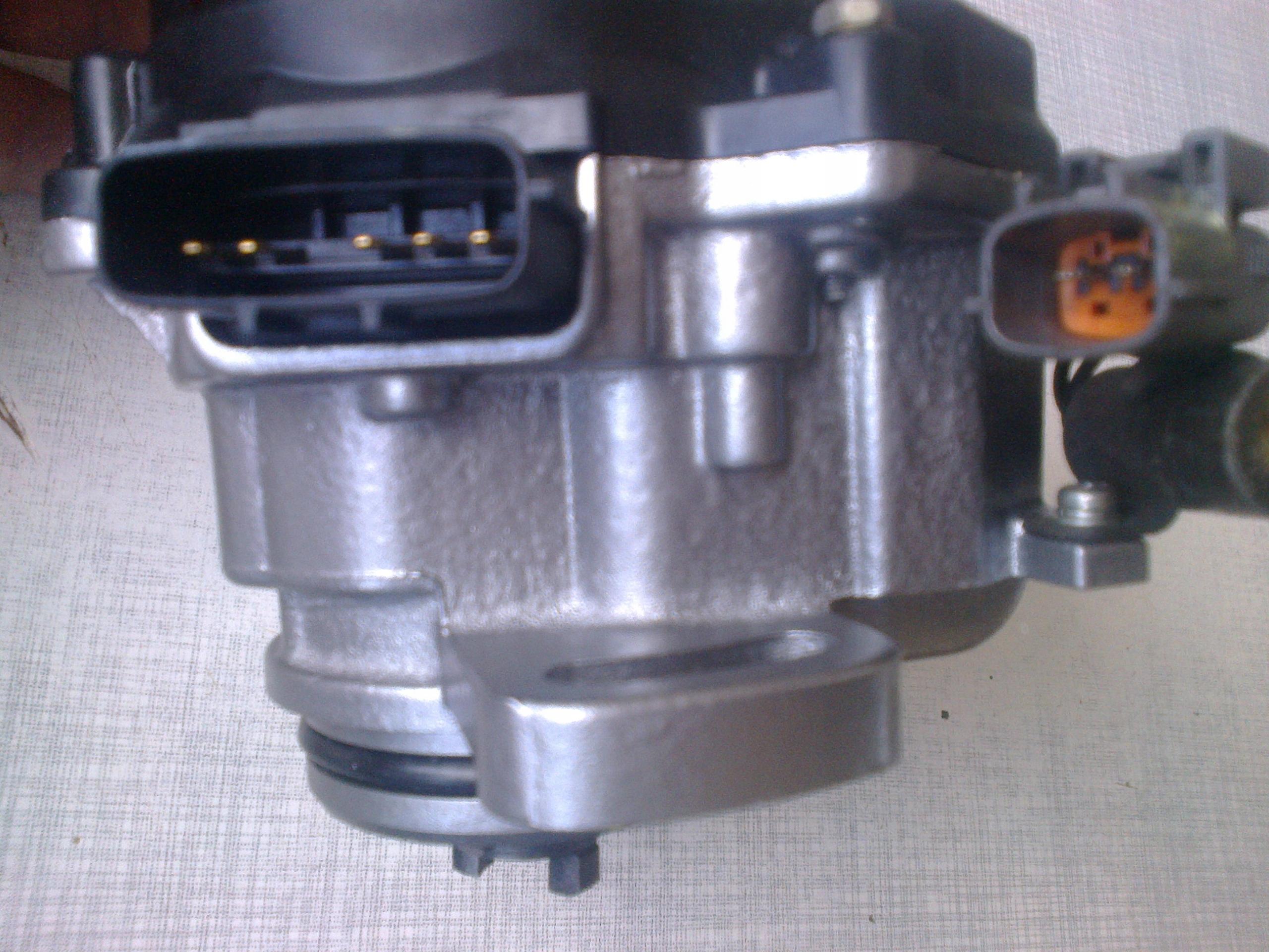 nissan primera 16 камера зажигания 22100-82j03