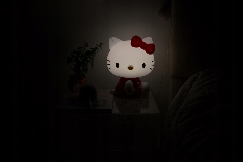 LAMPKA NOCNA DLA DZIECI HELLO KITTY ŚWIATŁO LED Bohater Hello Kitty