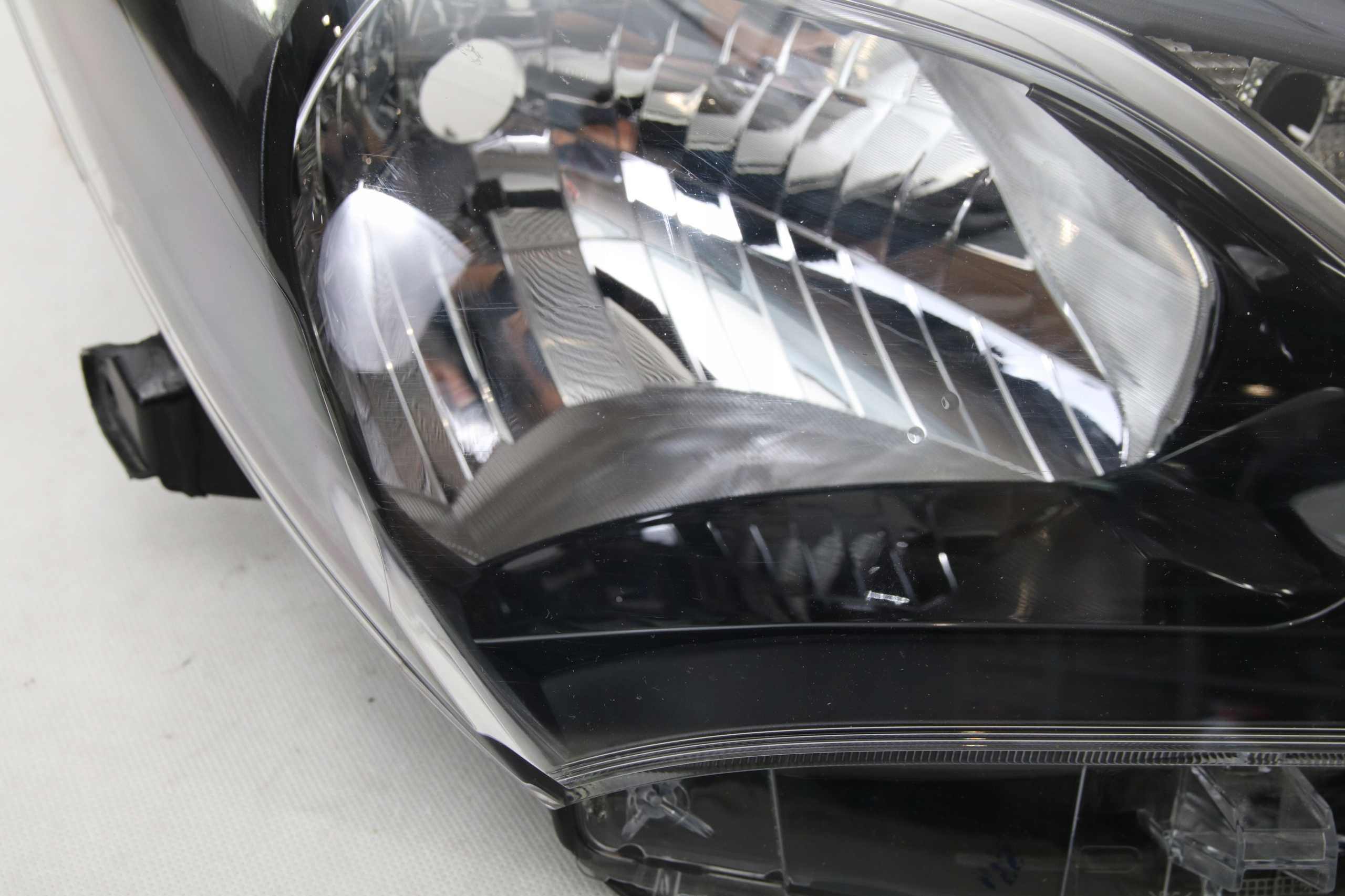 Picture of REFLECTOR EUROPE H4 TOYOTA YARIS III 3 FACELIFT 2017-