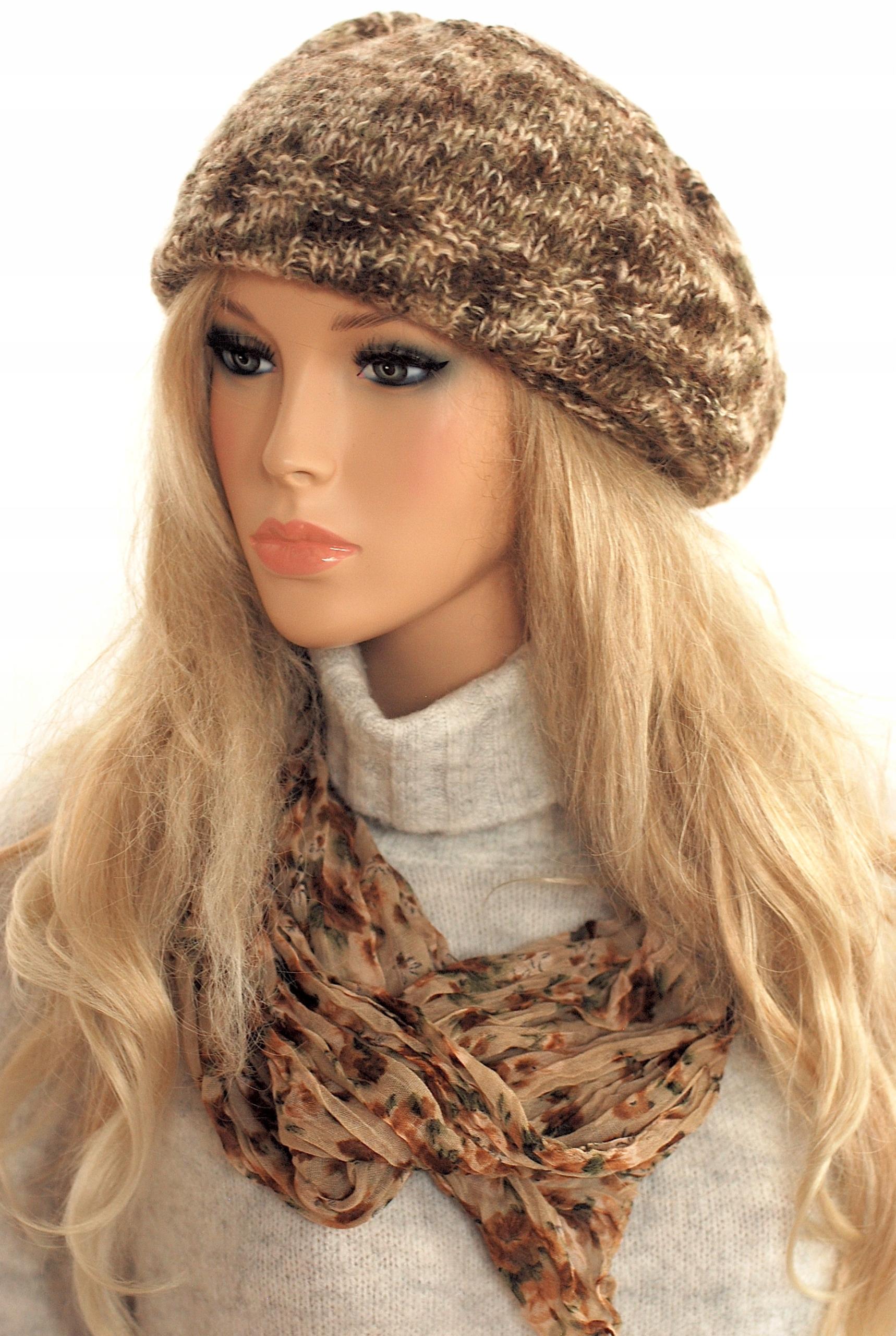 Krásna beige baret čiapky vzory