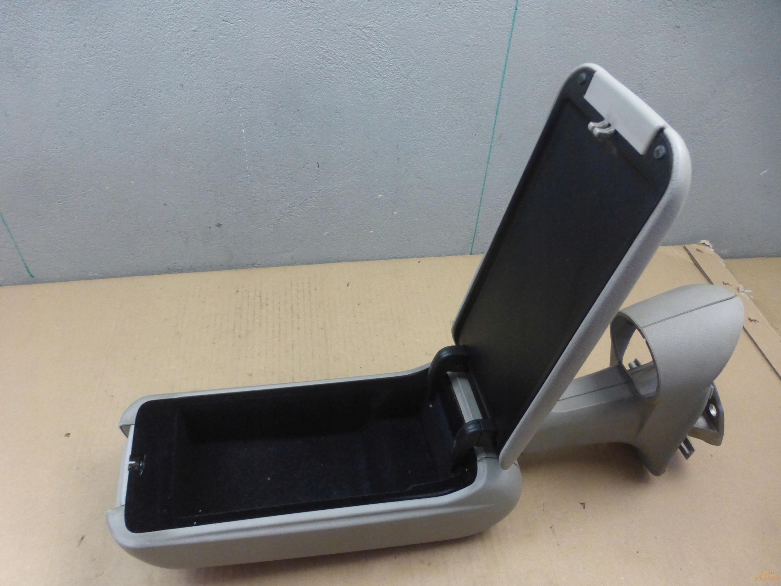 подлокотник пластик mercedes w168 a-klasa