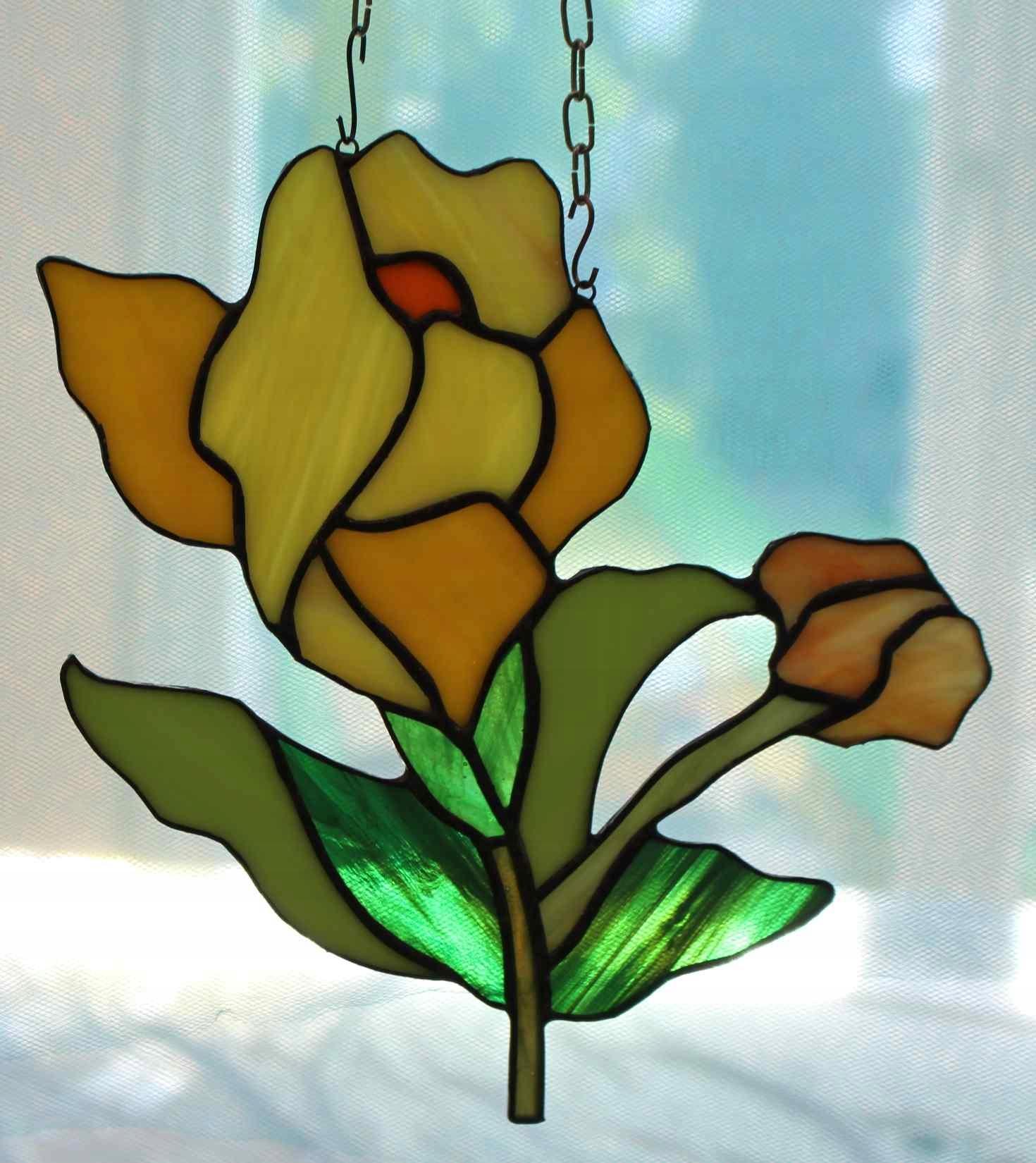 Витражный цветок с подарком ко Дню матери, бабушка желтый