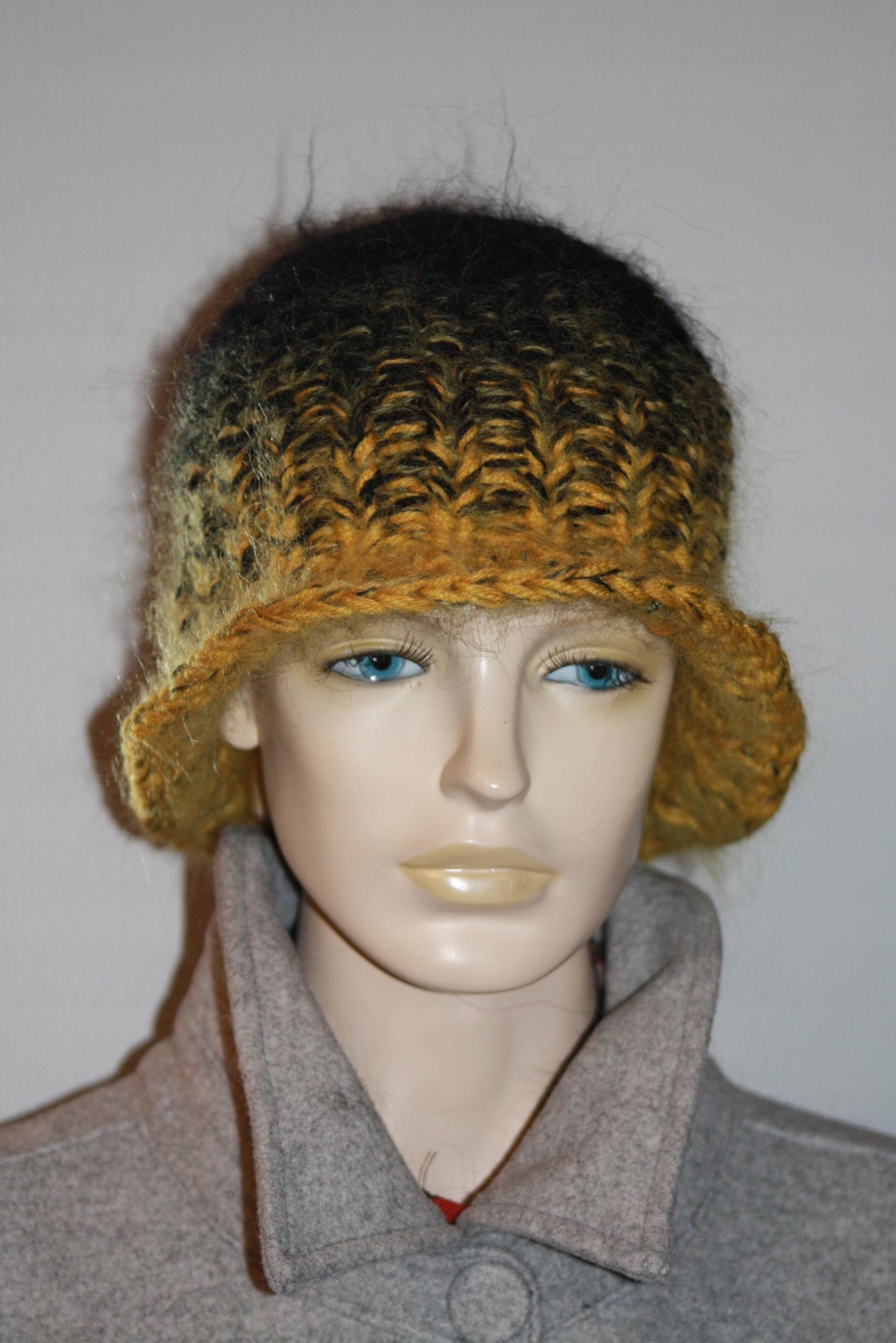 čiapka retro čiapka ručne vyrobená z mohéru melanž