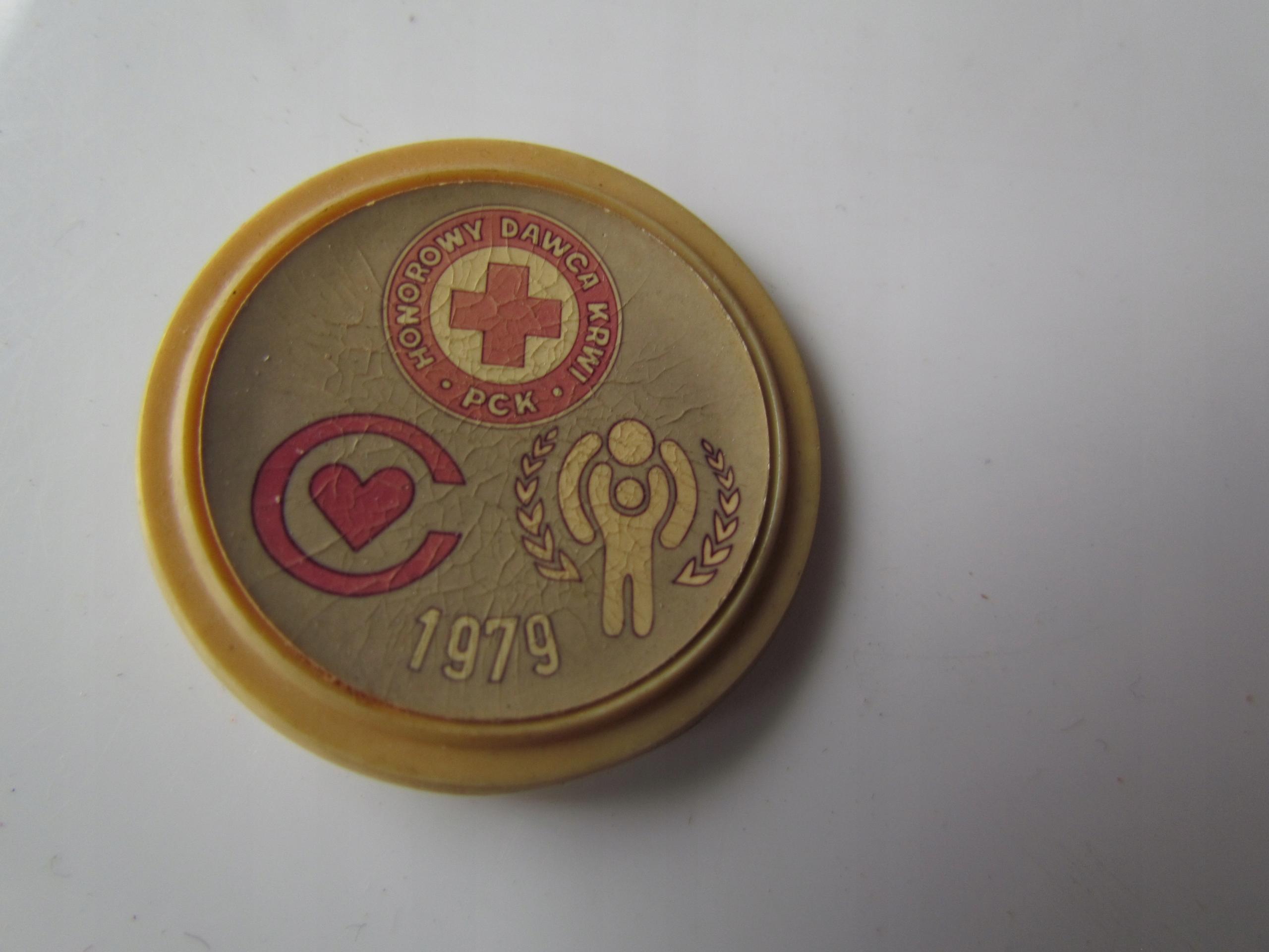 Przypinka PCK 1979 Honorowy Dawca Krwi Polski Czer