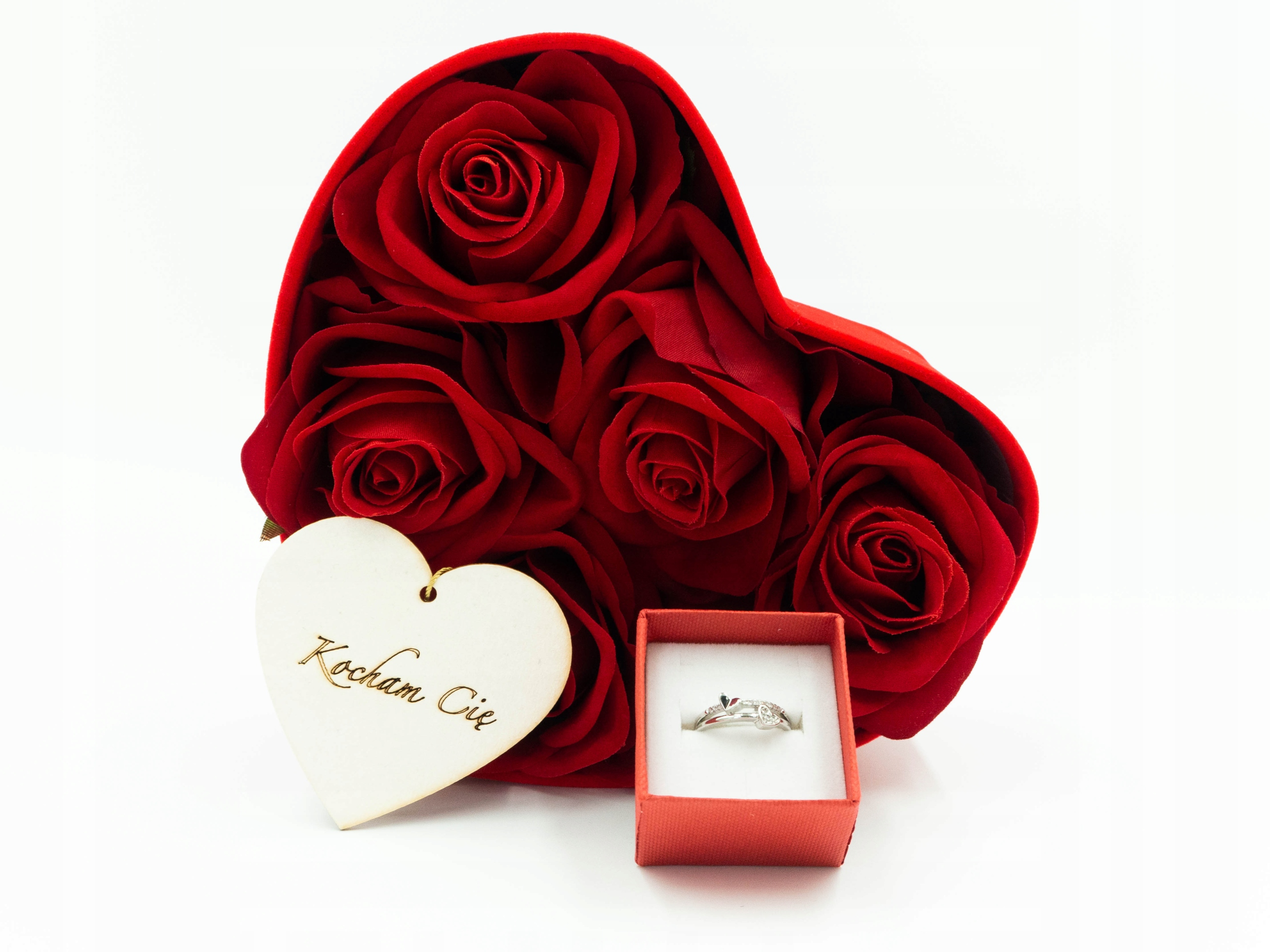 Prezent na Walentynki zestaw dla Niej pierścionek