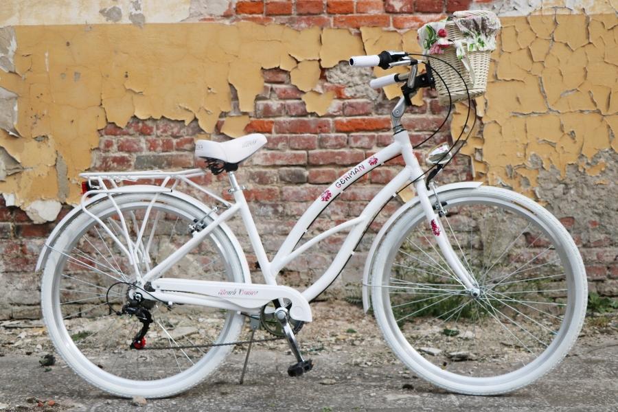 krásny dámsky plážový krížnik 28 city G bike Váha 15 kg