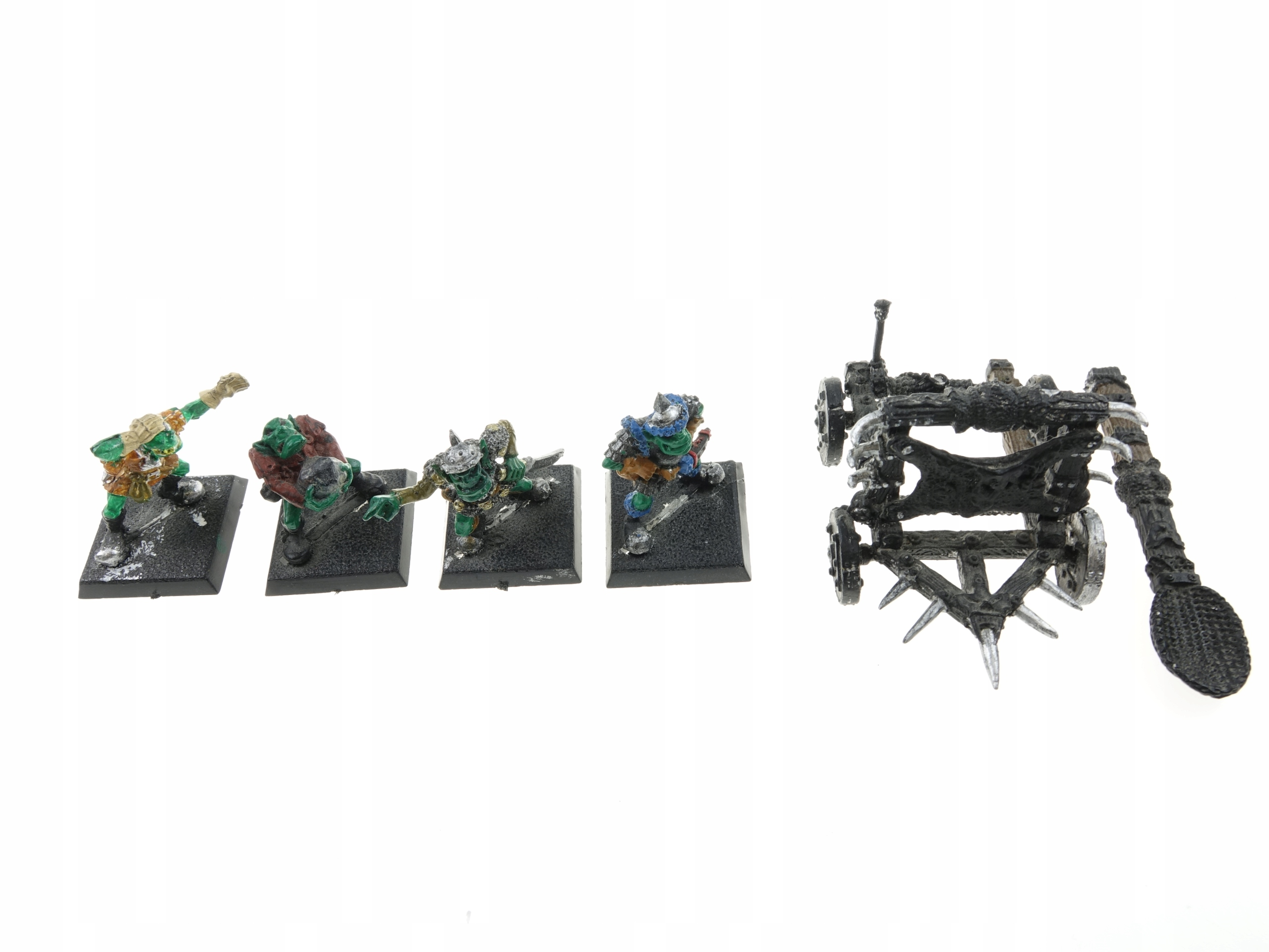 Warhammer MM28 ORC kameň hádzačky kovov
