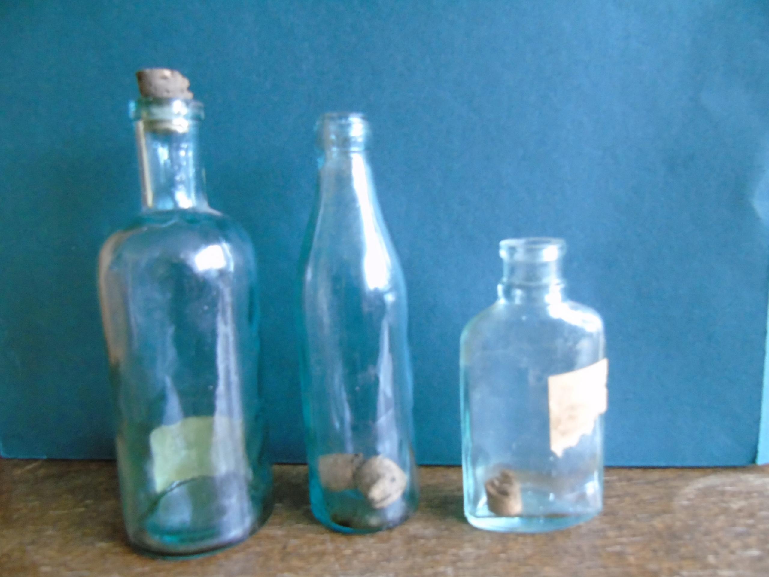 Stare butelki po lekach