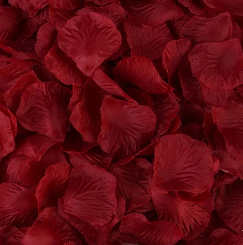 Бордовые лепестки роз 100 шт. Искусственное украшение