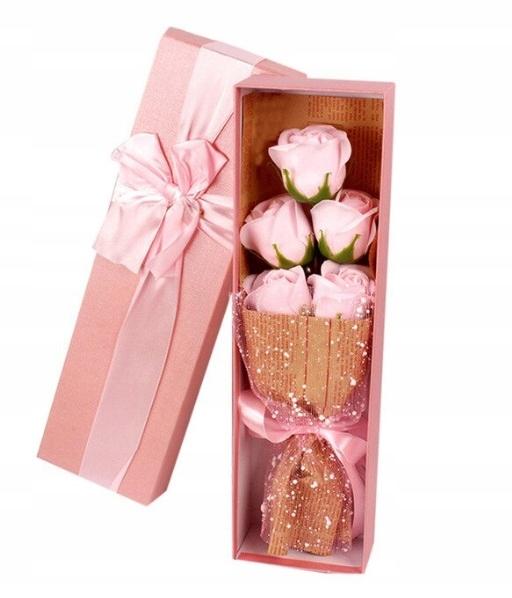Подарок на женский день лепестки роз для бани