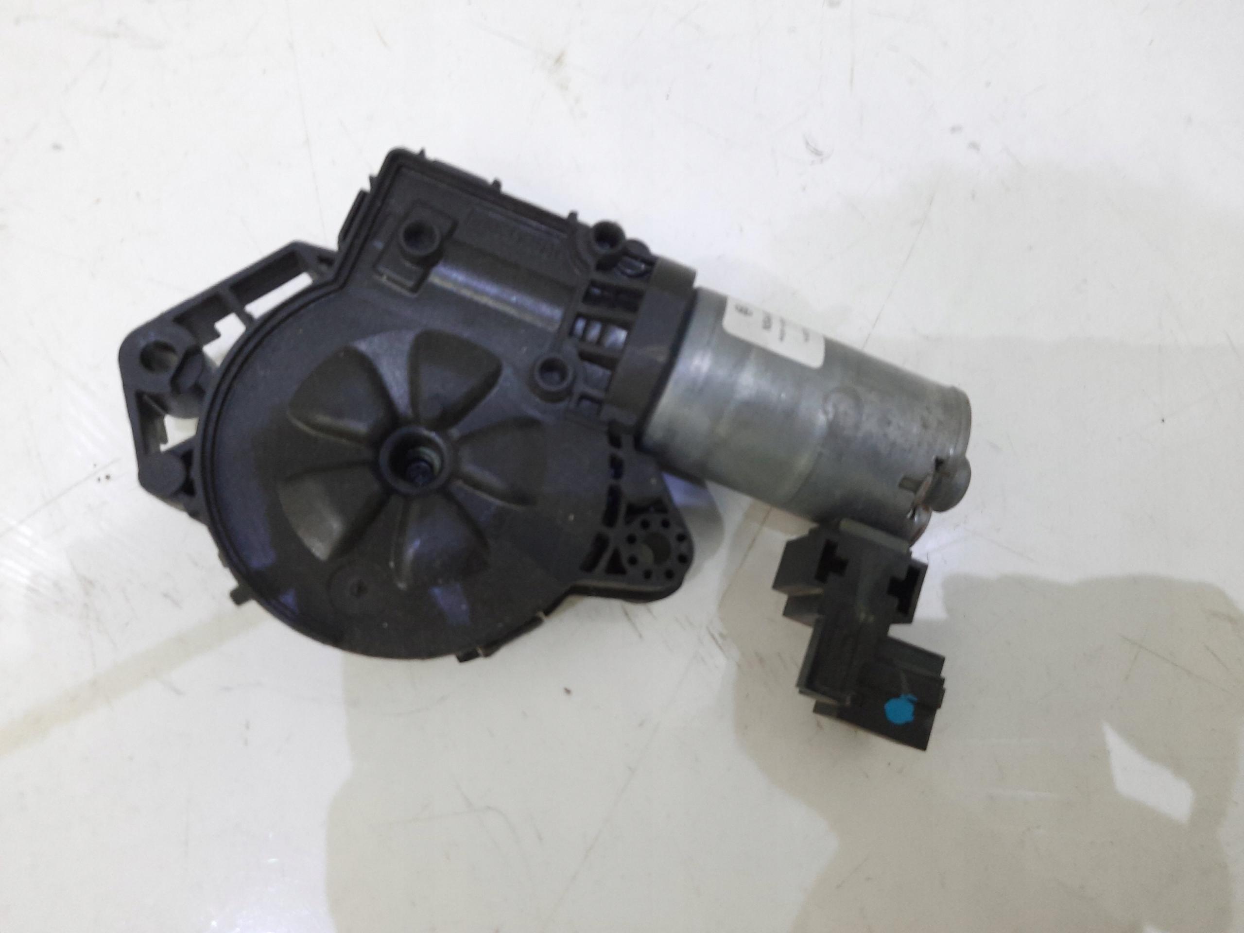 mercedes w221 двигатель люка 0390200101