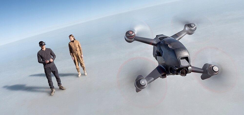 Dron DJI FPV Combo + Fly More Kit + DJI Motion Zasięg kontroli lotu 6000 m