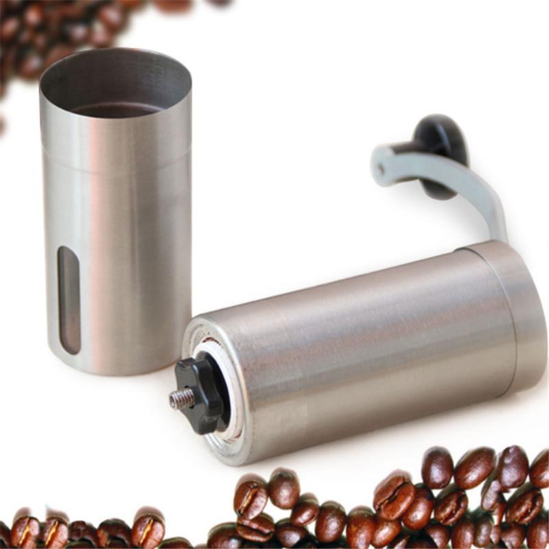 Mlynček na kávu v retro štýle s ručnou kľukou