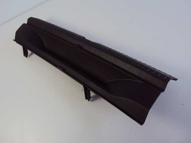Picture of COVER SEAT BELT  REAR SEAT ARONA 1.0 TSI 18R
