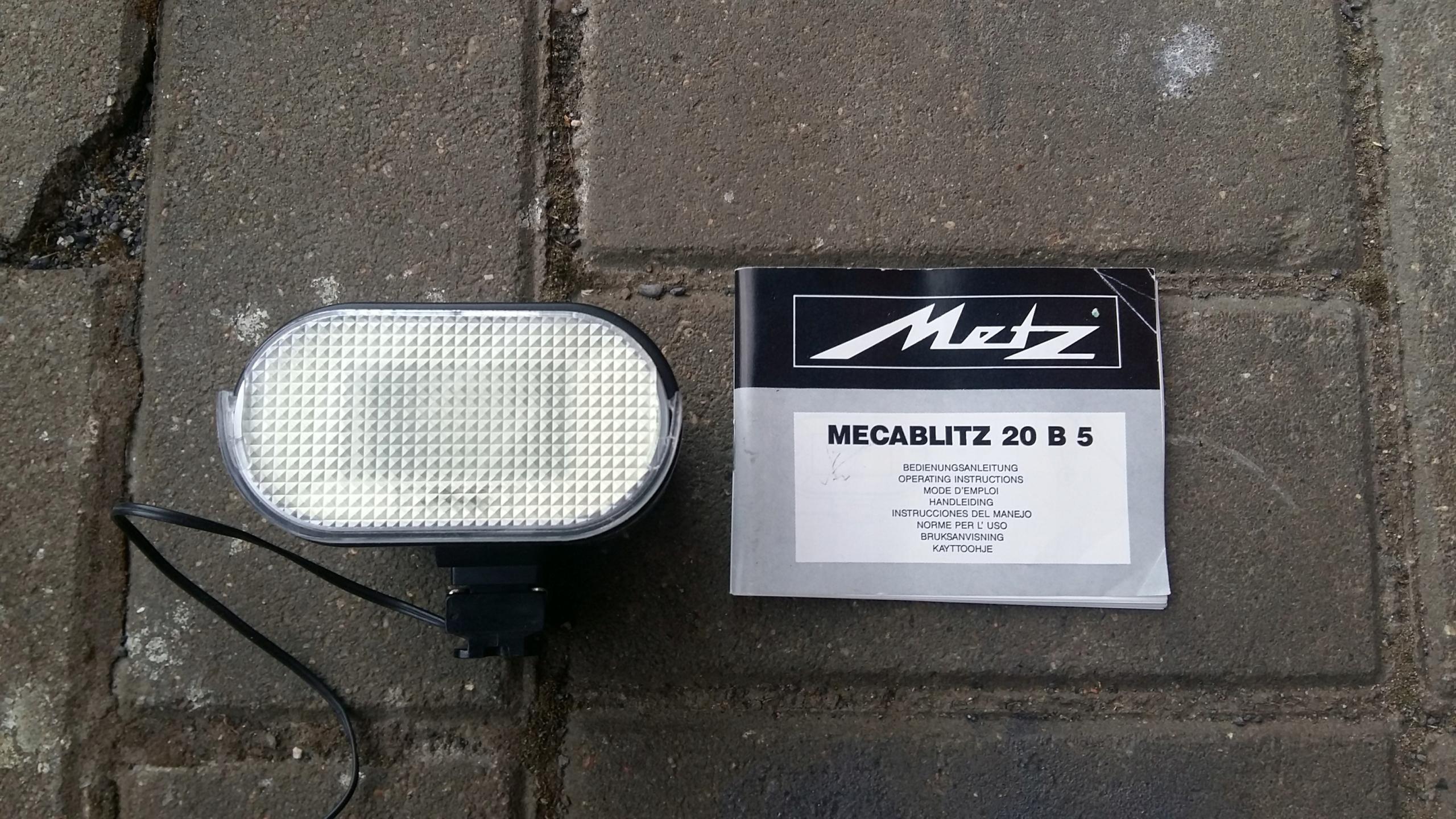 Metz 2085 starý blesk
